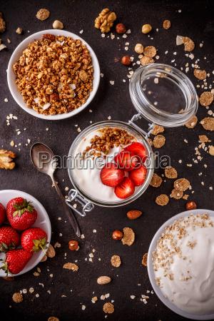 top, view, of, homemade, granola - 25443570