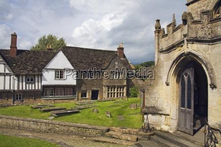 st cyriacs church graveyard lacock