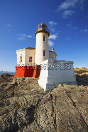 afternoon light on coquille river lighthouse