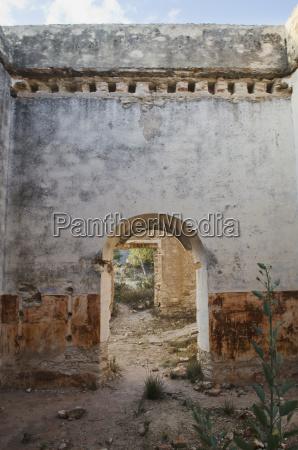 mexico guatajuato pozos doorway in old