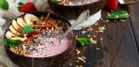 strawberry, and, banana, smoothie, bowls - 25452454