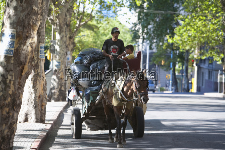 horse cart with garbage disposal montevideo