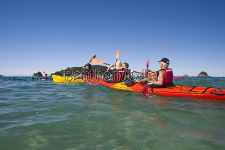 kayaking on the coromandel peninsula hahei