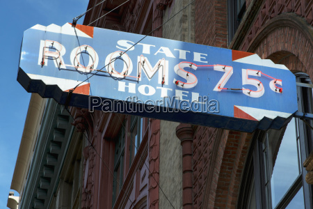 a sign for state hotel with
