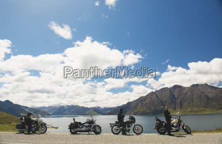 a group tours on motorcycle wanaka