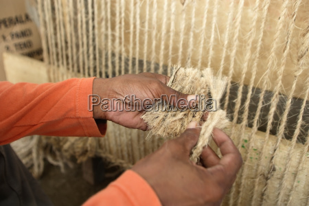 hand weaving rugs made of natural