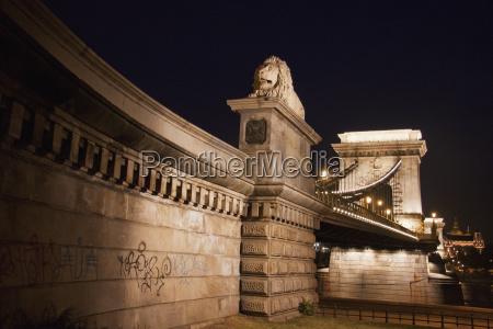 lion statue of the szechenyi chain