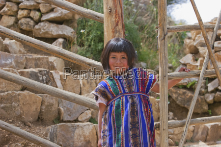 aymara girl on the isla del