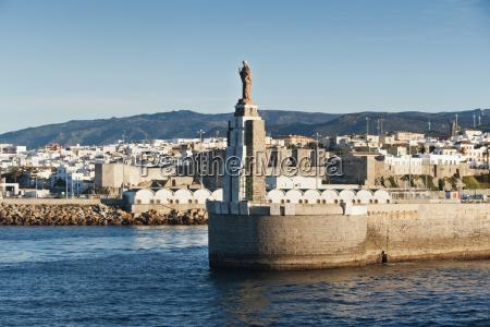 statue of el santo in the