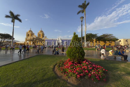 plaza mayor and cathedral trujillo peru