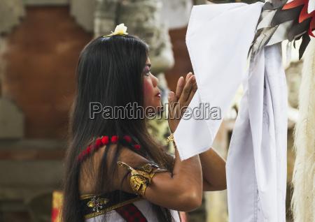 barong dance performance in batubulan bali