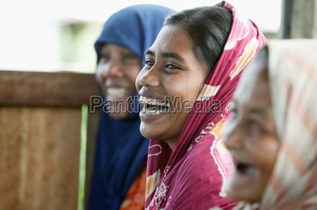 women from a community agriculture group
