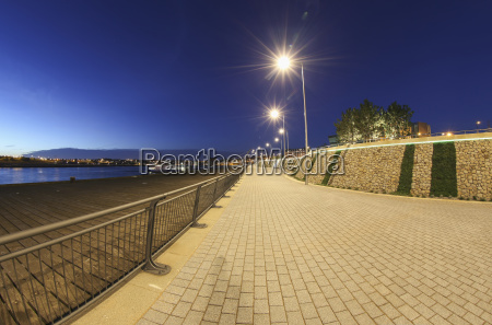 promenade along the river tyne light