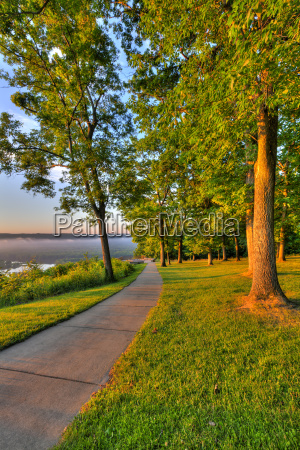 walkway between mississippi river viewing platforms