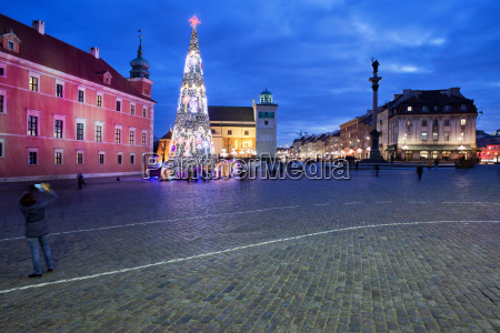 city of warsaw by night at