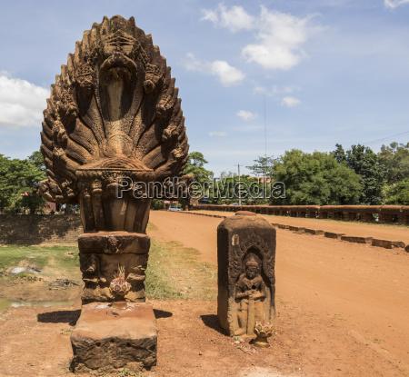naga sculpture on the spean preah