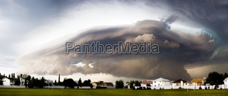 severe weather forming over houses
