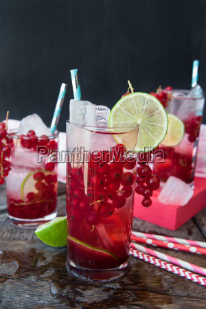 cocktail with currants and lime