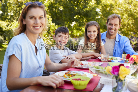 parents and kids having a lunch