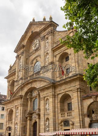 facade of st martin church in