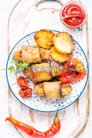 turkish dish of eggplant parmak koft
