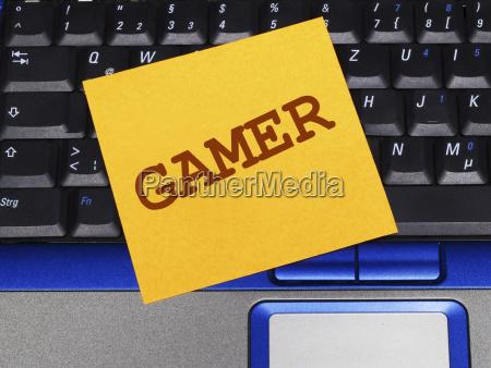memo note on notebook gamer