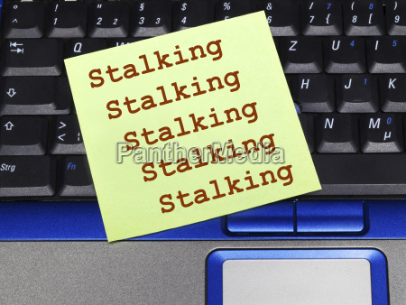 memo note on notebook stalking