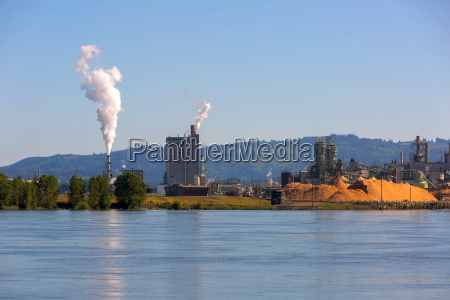 paper mill along columbia river