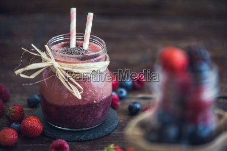 fresh berry fruit smoothie