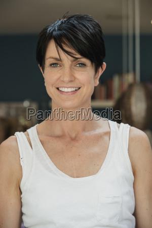 headshot of smiling woman