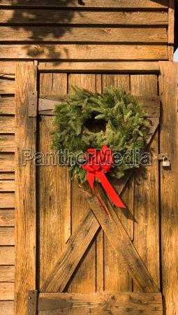 wreath on barn door