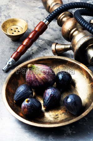 oriental shisha with figs