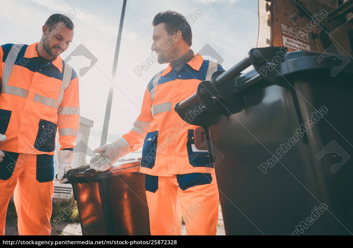 garbage, removal, men, working, for, a - 25872328