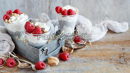 raspberries, and, yogurt, chia, pudding, parfait - 25879874