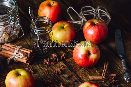 red apples with clove cinnamon and