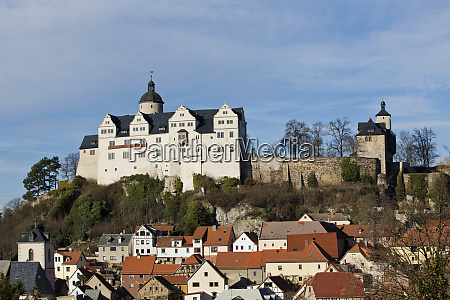castle ranis over the old town