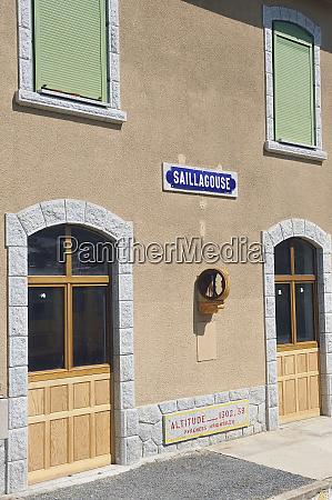 facade of the saillagouse train station
