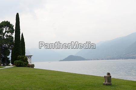 lakeside on lake como bellagio italy