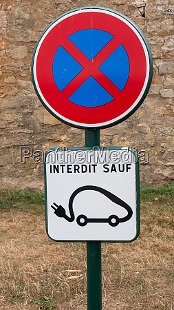 french road sign for electric cars