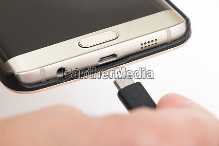 connecting mobile phone with usb type