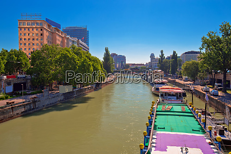 city of vienna danube river waterfront
