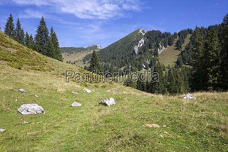 hiking up to the geigelstein peak