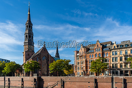 view from the speicherstadt to the