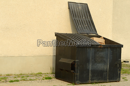 commercial garbage dumpster