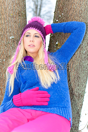 girl, in, park, in, winter - 25966844