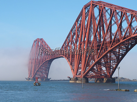 forth bridge over firth of forth