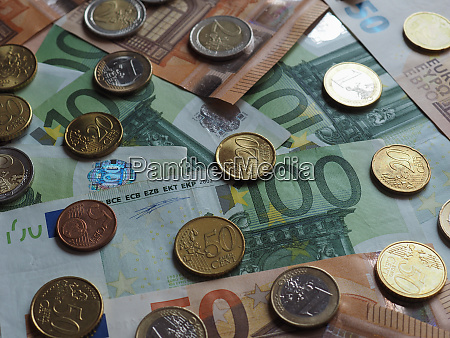 50 and 100 euro notes and