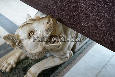 ancient roman empire statue
