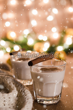 traditional eggnog cocktail for christmas eve