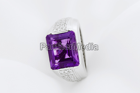 white gold ring with amethyst and